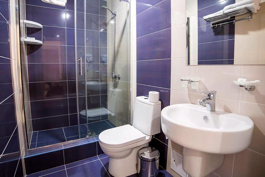 Туалетная комната Семейного номера в пансионате Undersun Витязево