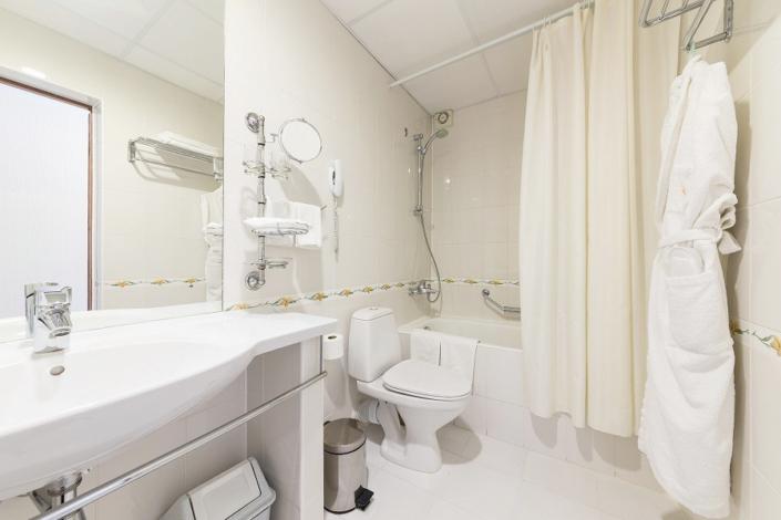 Туалетная комната Стандартного номера пансионата Урал