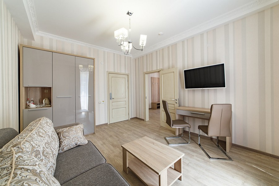 Люкс двухместный двухкомнатный пансионата Усадьба Шато Каберне
