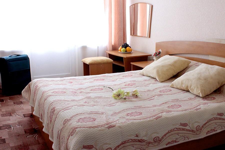 Стандарт двухместный с двуспальной кроватью в Корпусе 1 санатория Утес