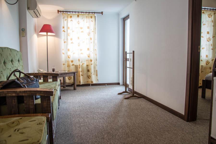 Люкс двухместный двухкомнатный в Корпусе 4 санатория Утес