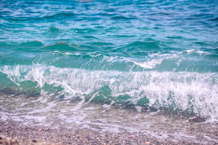 Черное море в поселке Утес