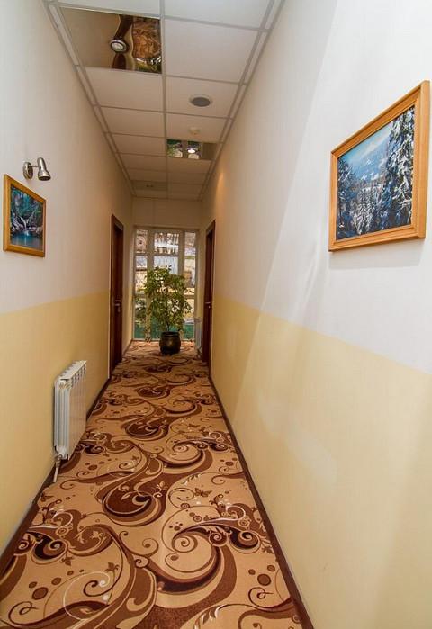 Коридор в отеле Утомленные солнцем