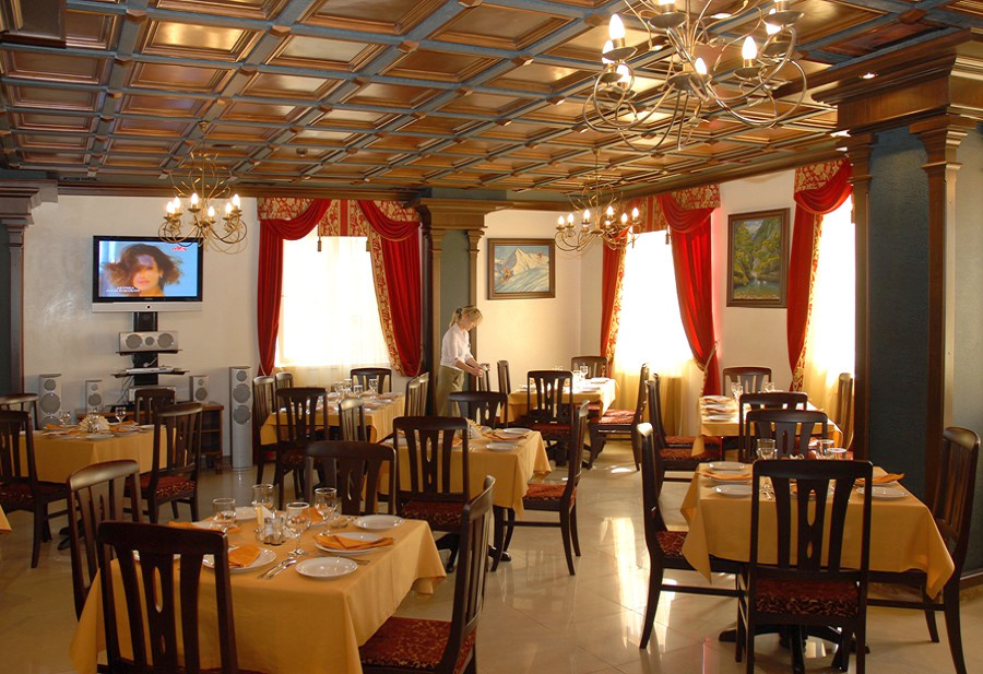 Ресторан отеля Утомленные солнцем