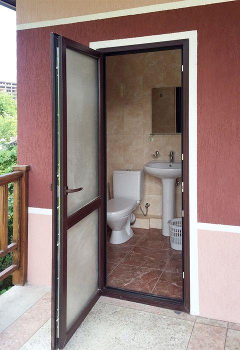 Туалетная комната номера Эконом в гостинице Валентина