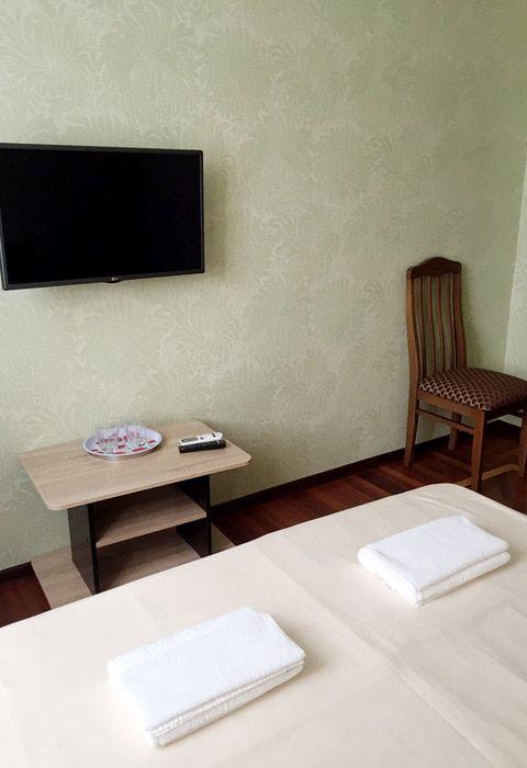 Двухместный номер с удобствами на этаже гостиницы Валентина