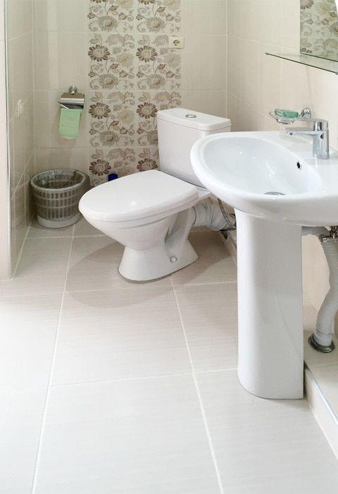 Туалетная комната номера Стандарт в гостинице Валентина