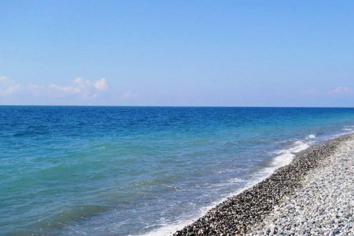 Пляж поселка Гечрипш, Абхазия