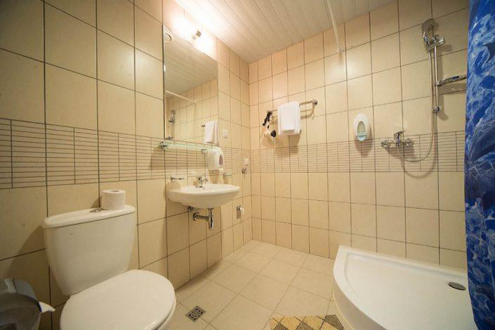 Туалетная комната однокомнатных апартаментов Valset Apartments by Azimut