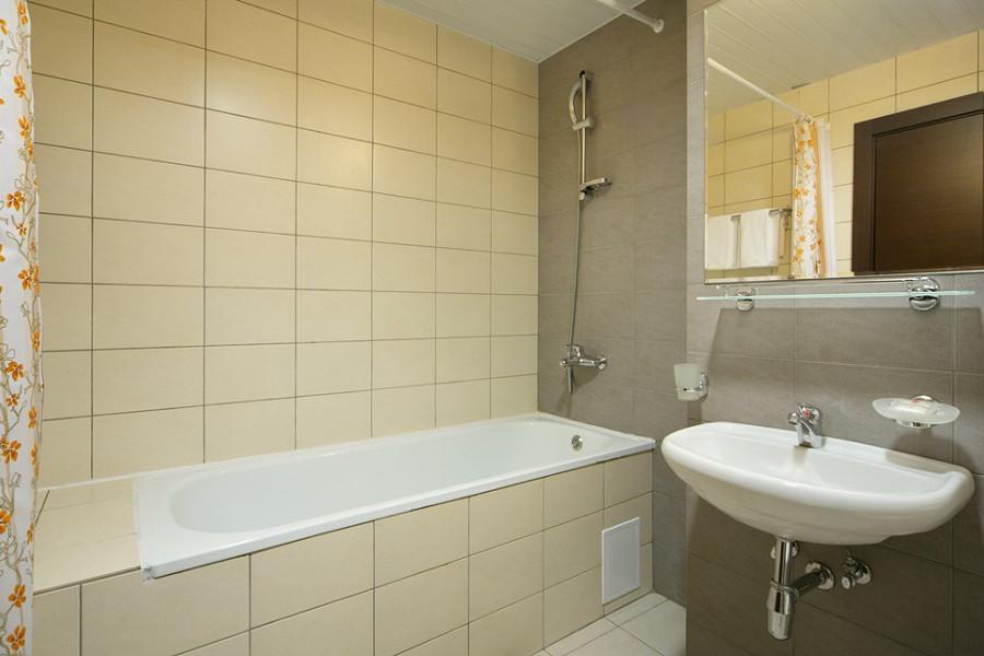 Ванная комната двухкомнатных апартаментов Valset Apartments by Azimut