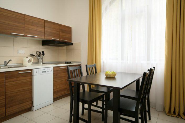 Кухня трехкомнатных апартаментов Valset Apartments by Azimut