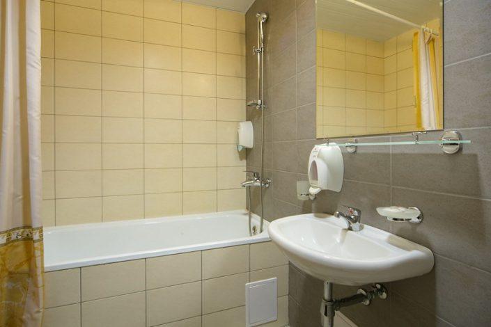 Ванная комната четырехкомнатных апартаментов Valset Apartments by Azimut