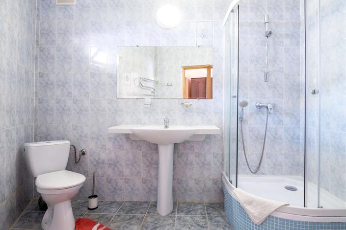Туалетная комната номера Повышенной комфортности гостиницы ВатерЛоо