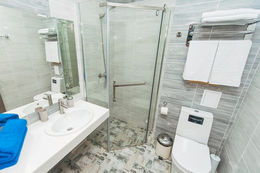 Туалетная комната номера Стандарт двухместный с балконом в отеле Venera Resor