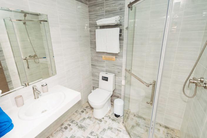 Туалетная комната номера Люкс двухместный в отеле Venera Resort