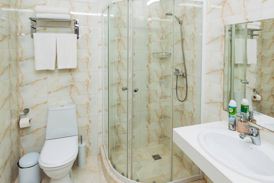 Туалетная комната номера Апартаменты двухместные в отеле Venera Resort