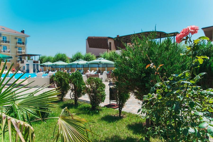 Территория отеля Venera Resort