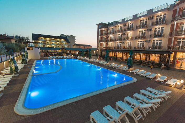 Бассейн отеля Venera Resort