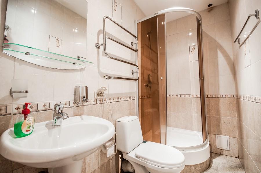 Туалетная комната Стандартного номера гостевого дома Виктор