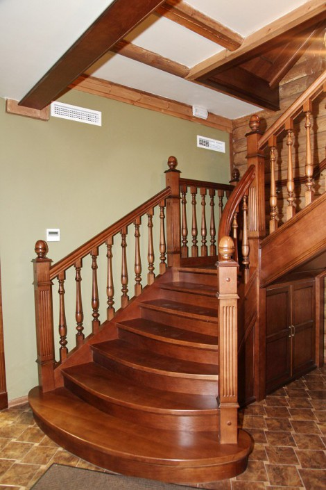Лестница в отеле Вилла Аквавизи
