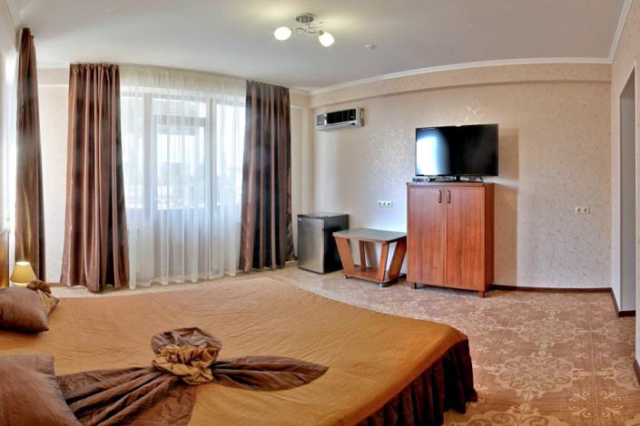 Стандарт двухместный с балконом отеля Вилла Алина