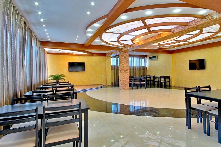 Ресторан отеля Вилла Алина