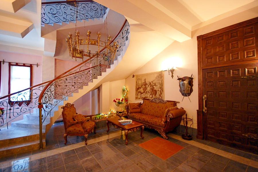 Холл отеля Вилла Анна