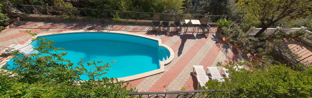 Бассейн гостевого дома Вилла Багратион