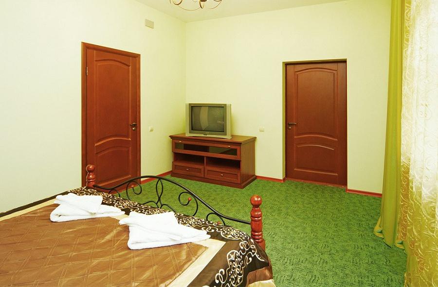 Люкс двухместный двухкомнатный гостиницы Вилла Леона, Гагра, Абхазия