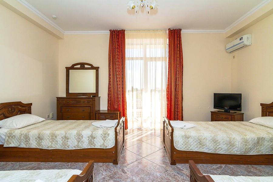 Стандартный четырехместный номер пансионата Vityazevo Family