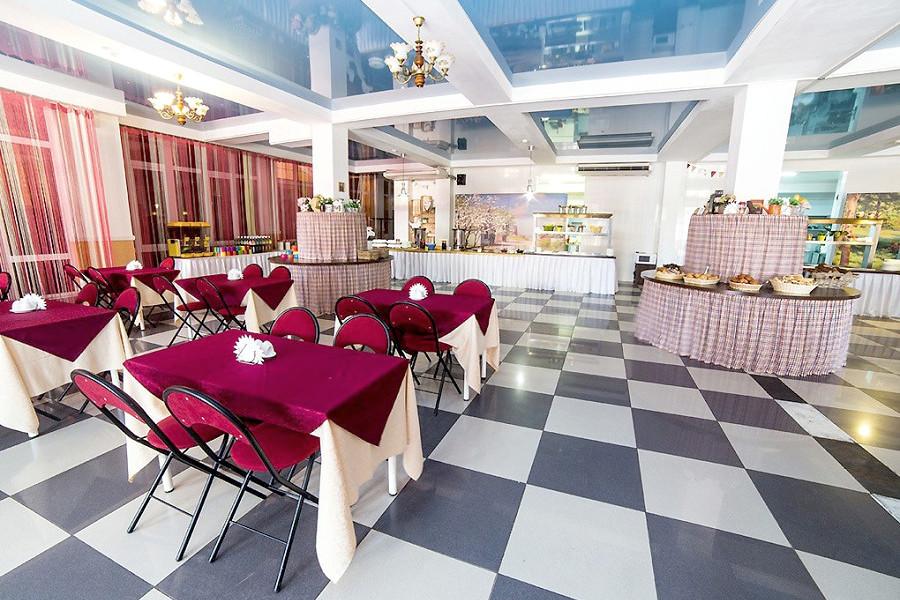 Обеденный зал пансионата Vityazevo Family