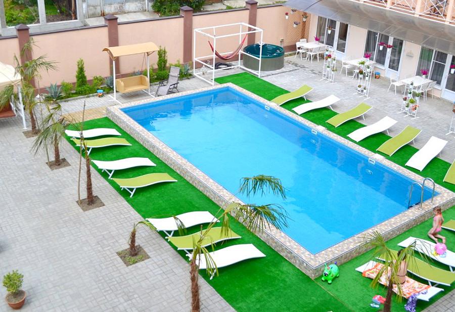 Бассейн отеля Viva Maria, Гячрыпш, Гагра, Абхазия