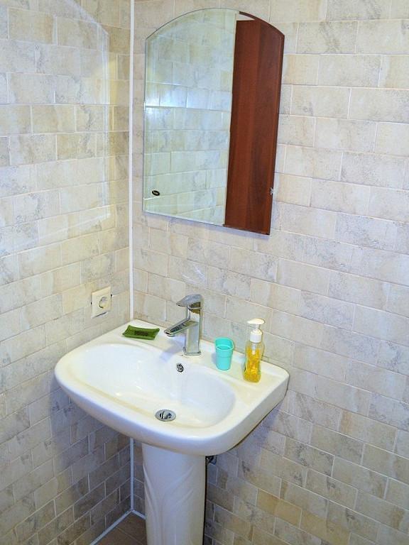 Туалетная комната Стандартного номера пансионата Водопад