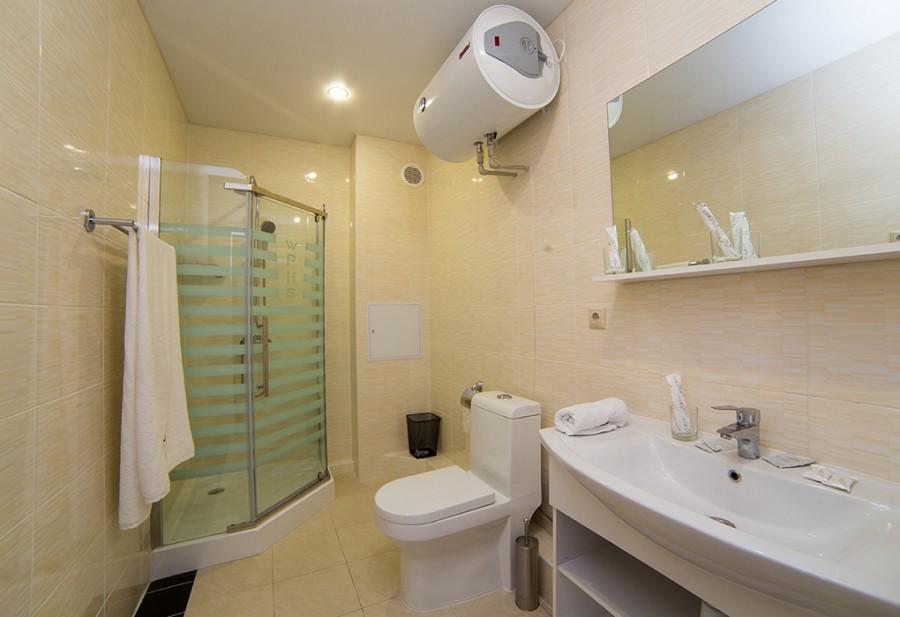 Туалетная комната номера Комфорт Wellness Park Hotel Gagra