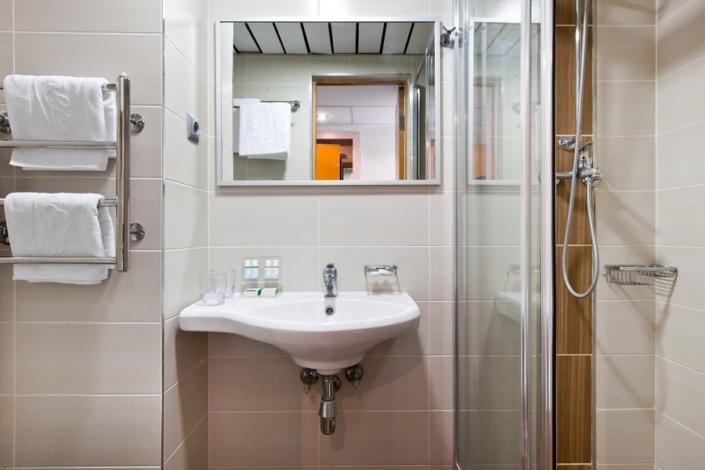 Туалетная комната номера Стандарт в отеле Ялта-Интурист