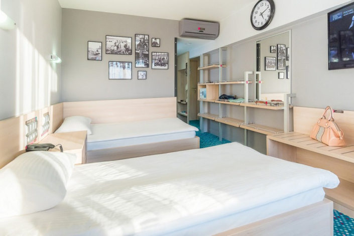 Улучшенный двухместный с раздельными кроватями в отеле Ялта-Интурист