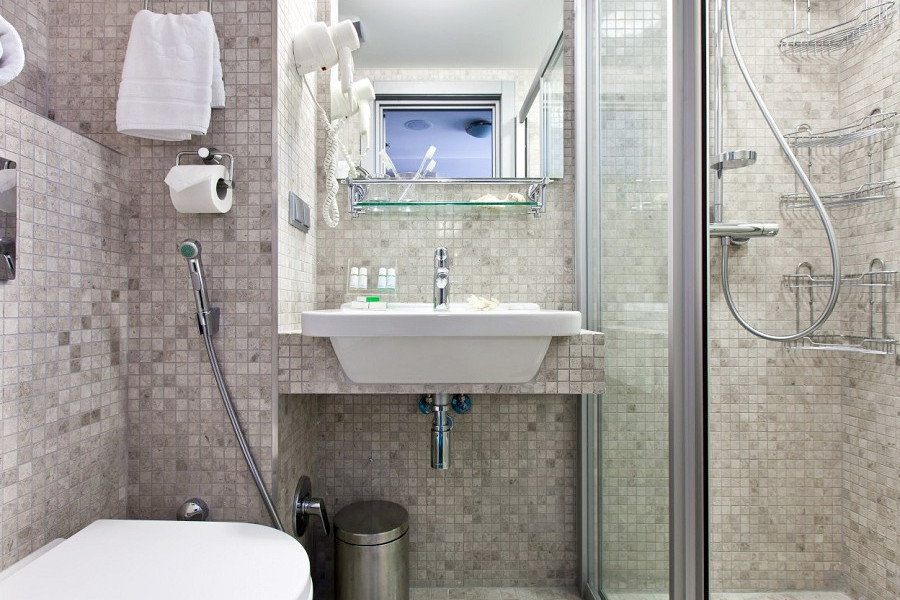 Туалетная комната Улучшенного номера в отеле Ялта-Интурист