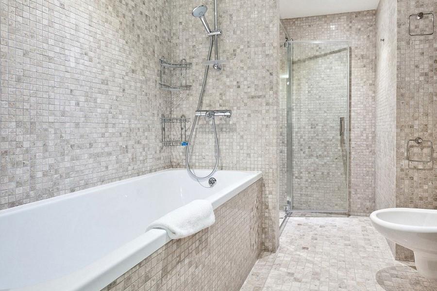 Туалетная комната номера Люкс Студия в отеле Ялта-Интурист