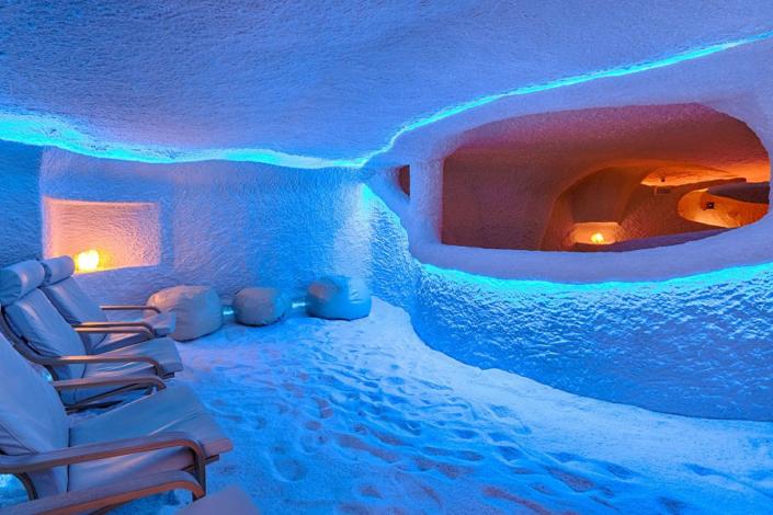 Соляная пещера на территории отеля Ялта-Интурист