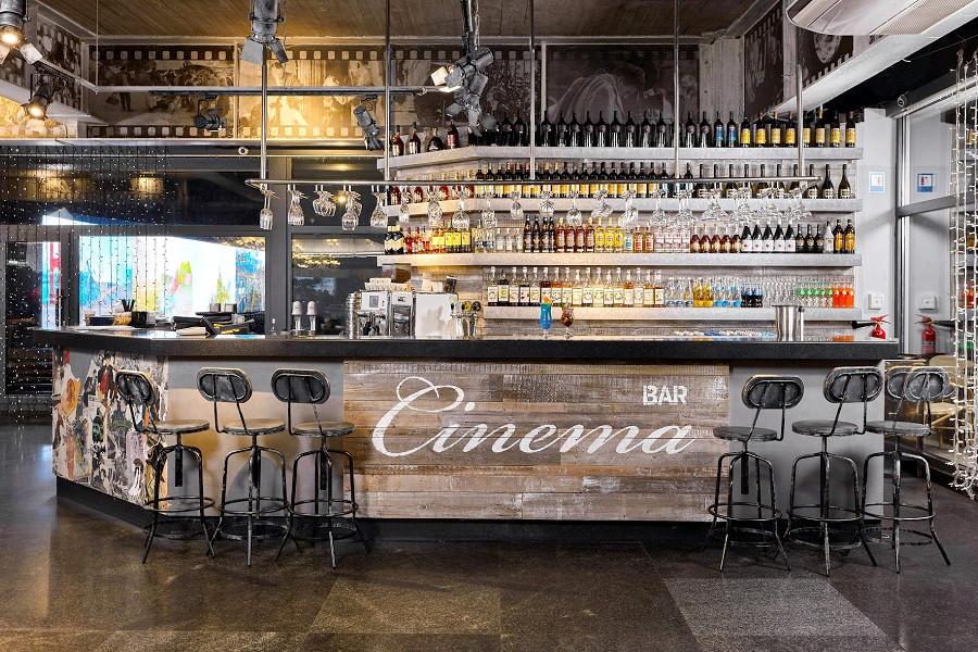 Cinema Bar на территории отеля Ялта-Интурист