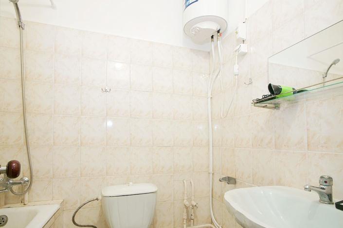 Туалетная комната Стандартного номера в Ялтинском городском пансионате