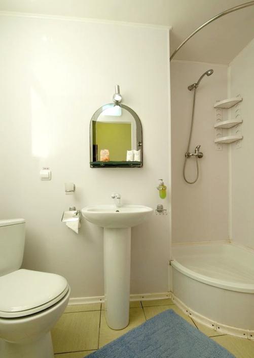 Туалетная комната Улучшенного номера в Корпусе 1 санатория Юрмино