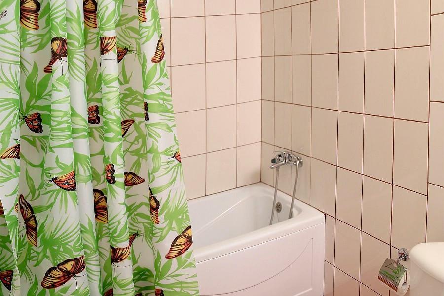Туалетная комната номера Стандарт в корпусе Климатопавильон санатория Юрмино