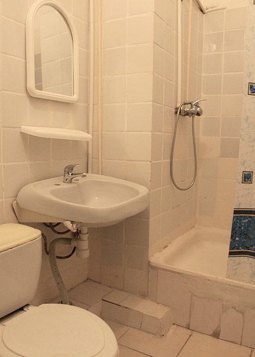 Туалетная комната номера Комфорт в Корпусе 3 ГК Юстас-Крым
