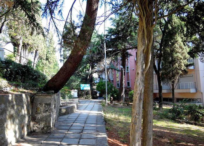 Территория гостиничного комплекса Юстас-Крым
