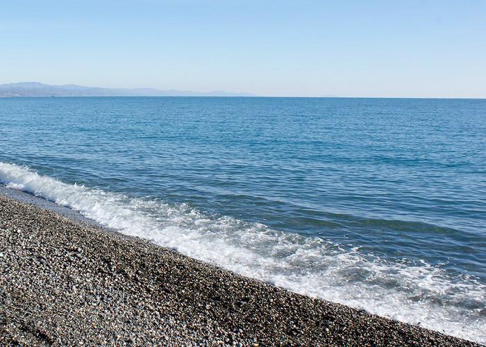 Пляж у гостиничного комплекса Юстас-Крым
