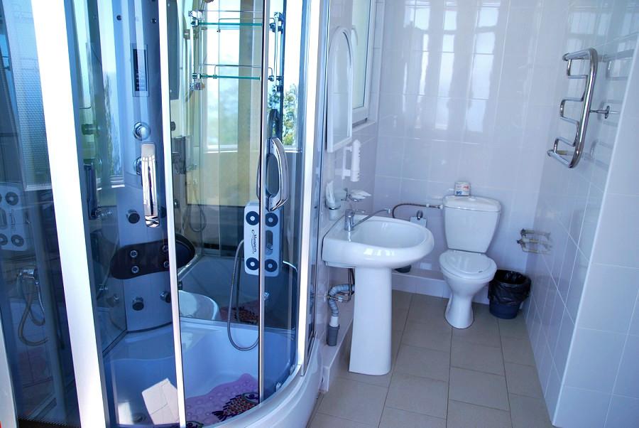 Туалетная комната номера повышенной комфортности