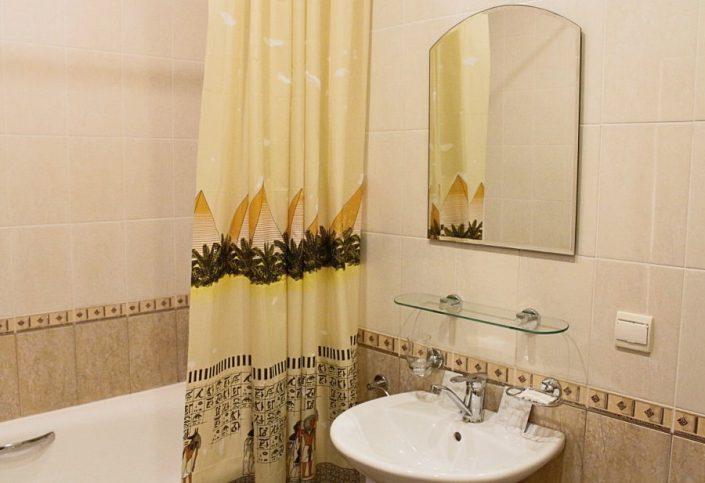 Туалетная комната Стандартного двухкомнатного номера санатория Южное взморье
