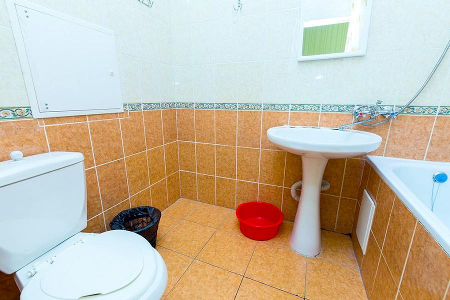 Туалетная комната Стандартного номера отеля Южный город