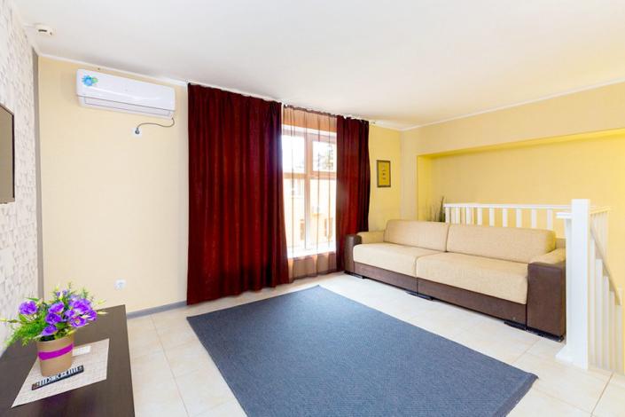 Апартаменты четырехместные двухуровневые отеля Южный город
